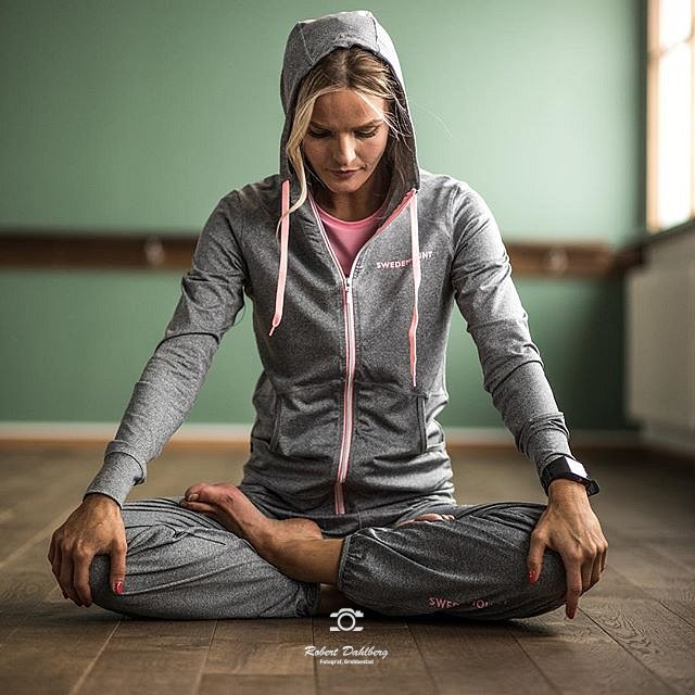 I do many types of photography. This is for Swedemount and the model is @pt_jensen who did a fantastic job. #uddevalla #yoga #fitness #sweden #swedemount
